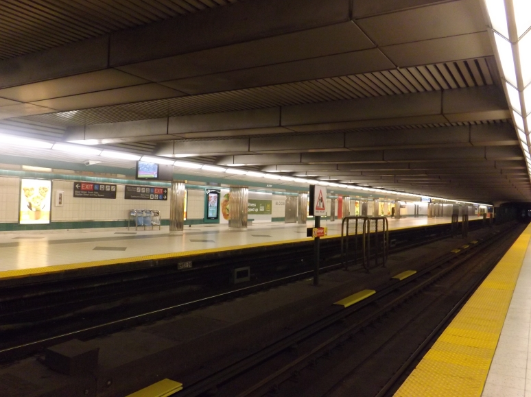Empty Southbound lane closed at Bloor Street subway