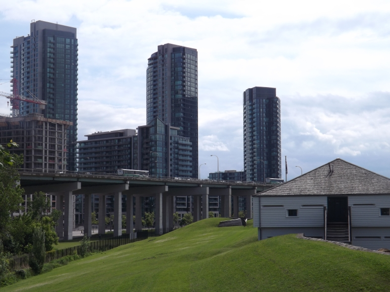 Fort York Garrison and the Gardiner Expressway